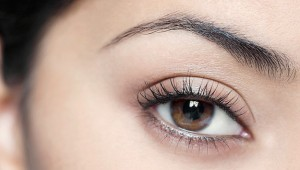 woman-eyebrows-shape-625km100913